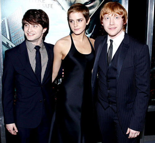 Harry Potter achtergrond with a business suit, a suit, and a well dressed person entitled Dan,Rupert and Emma