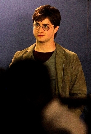 Harry Potter wallpaper possibly containing a business suit, a well dressed person, and a suit titled Dan