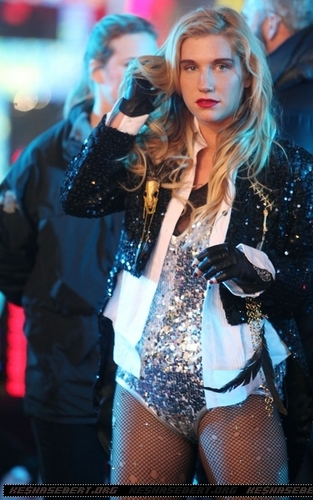 Ke$ha @ Dick Clark's New Year's Rockin' Eve with Ryan Seacrest 2011