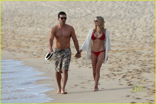 Leann Rimes wallpaper probably with a bikini entitled LeAnn Rimes & Eddie Cibrian: Cabo Couple