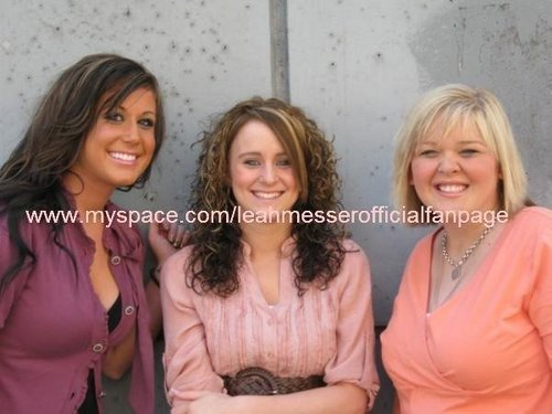 Leah Messer& Chelsea Houska With A Fellow Teen Mother