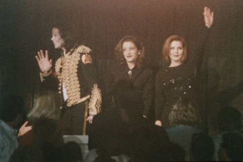 Lisa Marie Presley fond d'écran containing a concert called Lisa Marie Presley