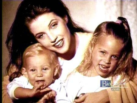 lisa marie presley wallpaper with a portrait titled Lisa Marie, and her children.