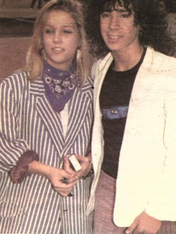Lisa Marie Presley fond d'écran probably with a well dressed person and an outerwear titled Lisa