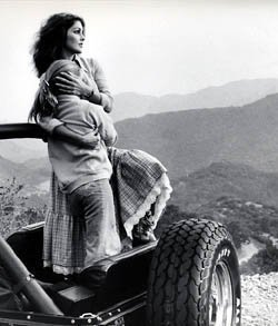 Lisa Marie Presley wolpeyper possibly containing a dune buggy entitled Lisa