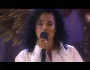 MJ crying :'(♥♥