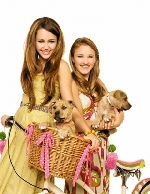 Miley..Lilly...Besties.....!!!!!