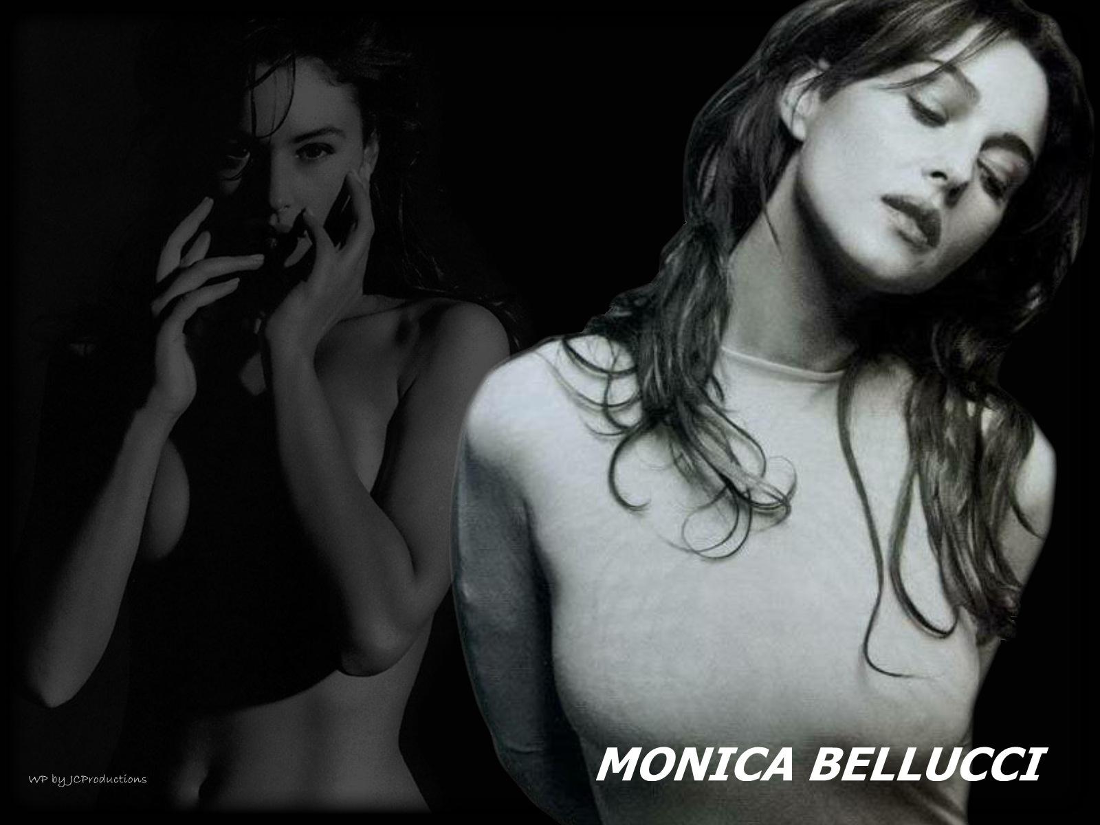 Monica Bellucci in B&W