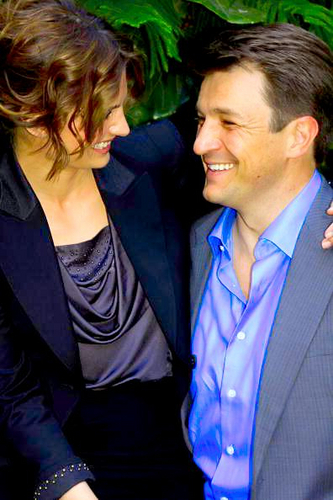 Nathan&amp;Stana &lt;3 - nathan-fillion-and-stana-katic Photo