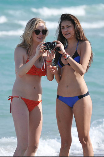 New/Old चित्रो of Candice and Nina at South Beach, Miami (HQ)