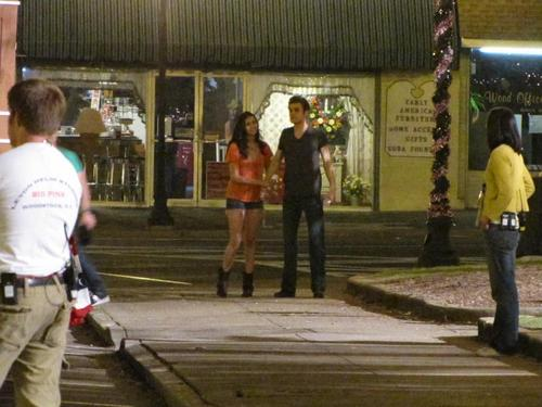 Nina & Paul on set TVD