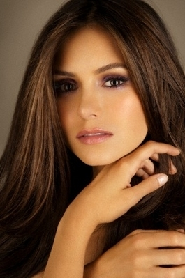http://images4.fanpop.com/image/photos/18000000/Nina-more-outtakes-from-Jake-Bailey-photoshoot-the-vampire-diaries-tv-show-18097055-265-399.jpg