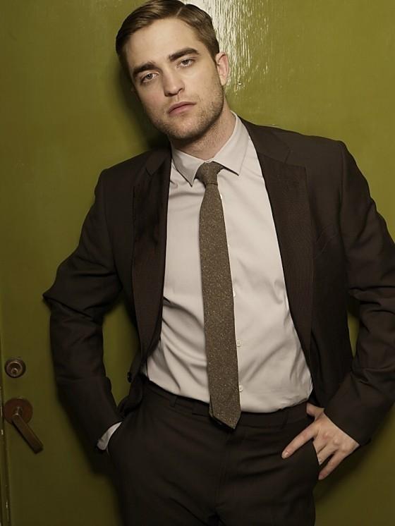 Outtakes Of Robert Pattinson!