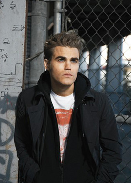 뱀파이어 다이어리 TV 드라마 바탕화면 with a chainlink fence entitled Paul Wesley in Woman's Wear Daily - New Photoshoot!