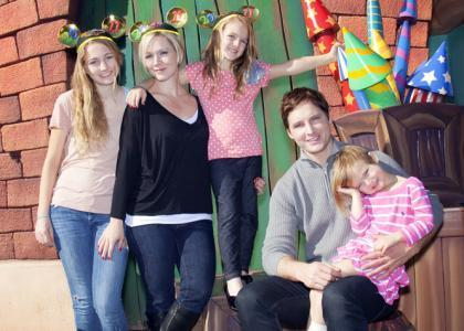 Peter Facinelli and Family at Disneyland!