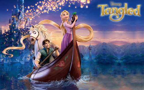 Rapunzel, Flynn, Pascal and Maximus in thuyền