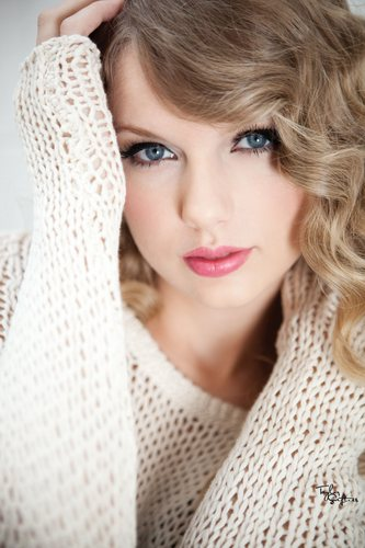 Taylor rapide, swift - Photoshoot #110: Speak Now album (2010)