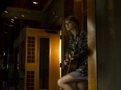 Taylor 迅速, スウィフト - Photoshoot #111: Rolling Stone (2010)