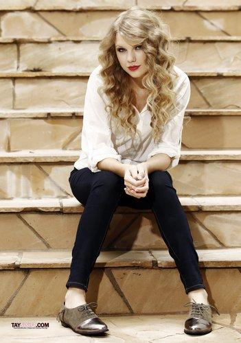Taylor Swift - Photoshoot #117: Matt Sayles (2010)