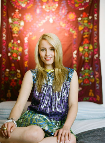 Teen Vogue Photoshoot - Dianna Agron 368x500