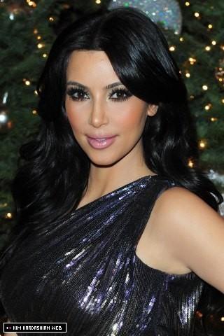 The Annual Kardashian-Jenner Рождество Eve Party 2010