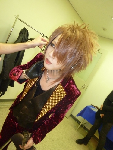 Tokyo Dome backstage - Ruki's dressing-room