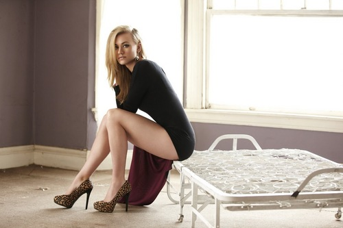 Yvonne Strahovski wallpaper possibly with bare legs, hosiery, and tights entitled Yvonne Strahovski Photoshoot in Issue 17 of Pop Magazine