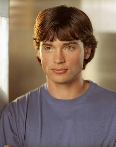Tom Welling Hintergrund possibly containing a portrait titled Smallville