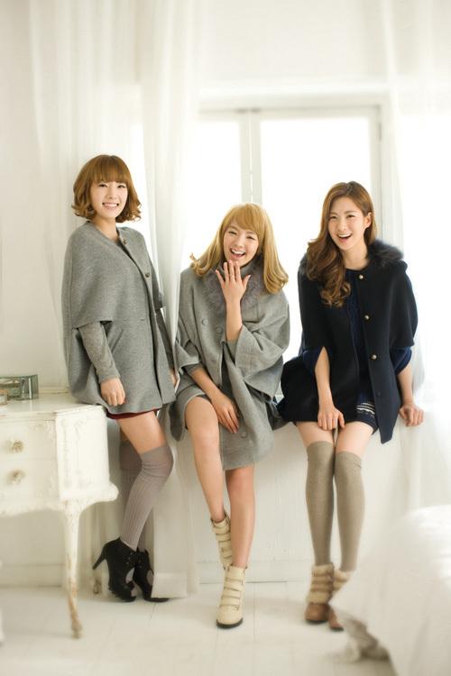 taeyeon,hyoyeon,seohyun calendar 2011 - Girls 500x750