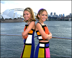 Mary-Kate & Ashley Olsen wallpaper titled 2000 - Our Lips Are Sealed