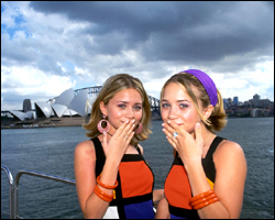 Mary-Kate & Ashley Olsen wallpaper entitled 2000 - Our Lips Are Sealed