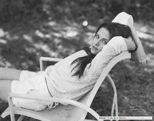 ANTIQUE COSMO GIRL PHOTOSHOOT