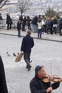 Alan walking in Paris xD