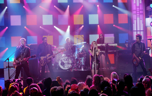 Avril WTH (Live) at Dick Clark's NYE