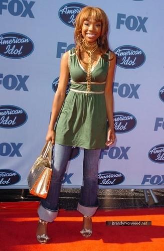 ব্র্যান্ডি @ American Idol Season 4 - Finale - Arrivals