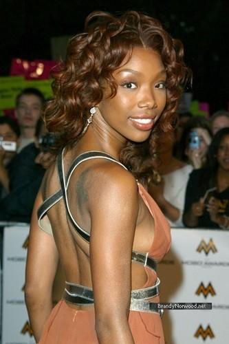 brandy @ MOBO Musik Awards 2004