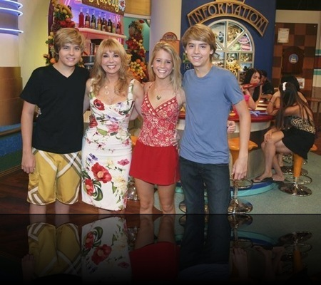 "Cole and Dylan Sprouse – a friendly ""twin"" competition - suite-life"
