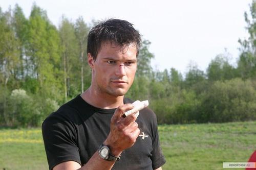 Richelle Mead karatasi la kupamba ukuta entitled Danila Koslovskiy for Dimitri Belikov