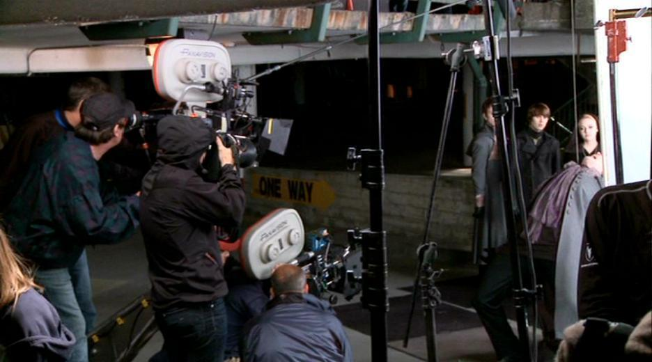 Dakota Fanning Images Eclipse Making Of Documentary Lights