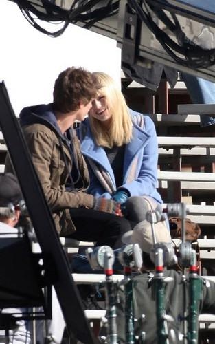 "Emma & Andrew on ""Spider-Man 4"" Set"
