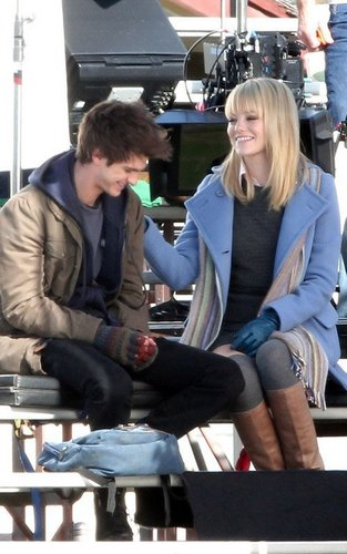 "Emma & Andrew on ""Spider-Man 4"" Set"