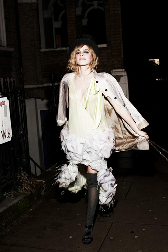 Emma | Photoshoot door Ellen von Unwerth.