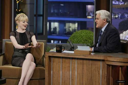 "Emma Stone on ""Late Night 表示する with カケス, ジェイ Leno"" Stills"