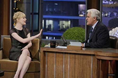 "Emma Stone on ""Late Night Показать with сойка, джей Leno"" Stills"