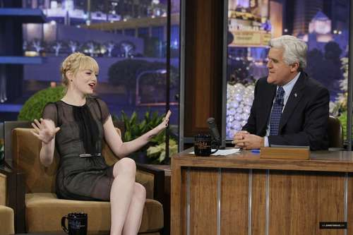 "Emma Stone on ""Late Night دکھائیں with جے Leno"" Stills"
