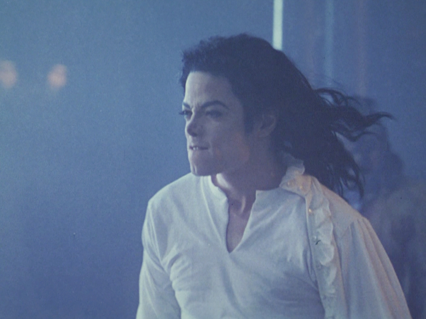 Scary pictures of michael jackson ghost