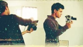 New images of Taylor Lautner from Making of étoile, star Ambassador