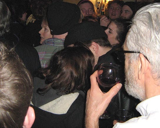 Rob and Kristen baciare on NYE?