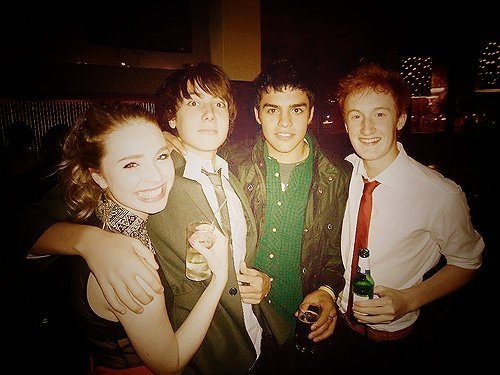 Skins پیپر وال possibly with a bridesmaid entitled Skins Series 5 Cast