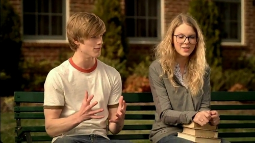 Taylor rápido, swift and Lucas Till
